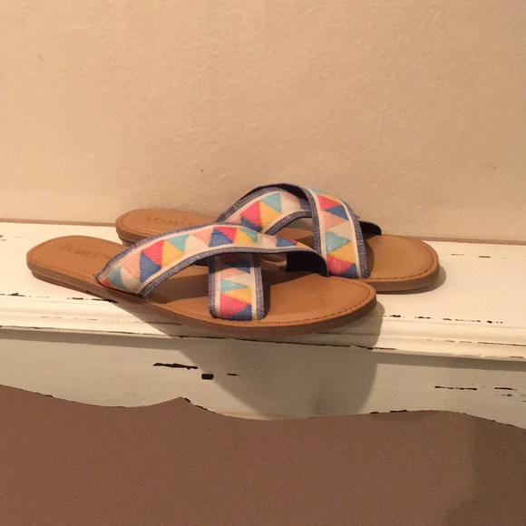 Toms Shoes - Toms Sandals new without box ⛱ Final Price Drop⛱